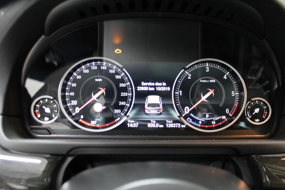 BMW_6WBA_kombiinstrument.11Large.JPG