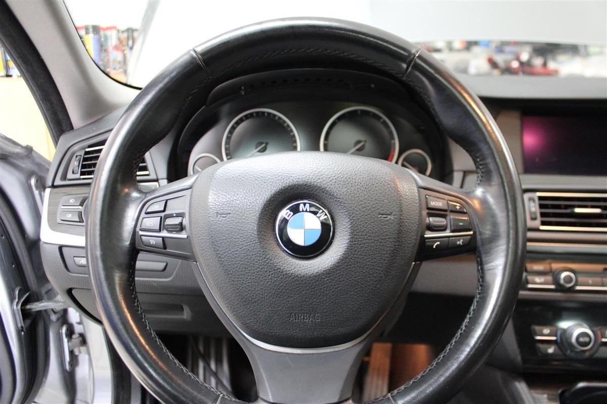 BMW_6WBA_kombiinstrument.3Large.JPG