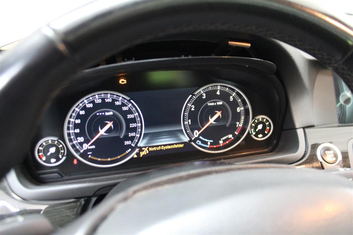 BMW_6WBA_kombiinstrument.6Large.JPG