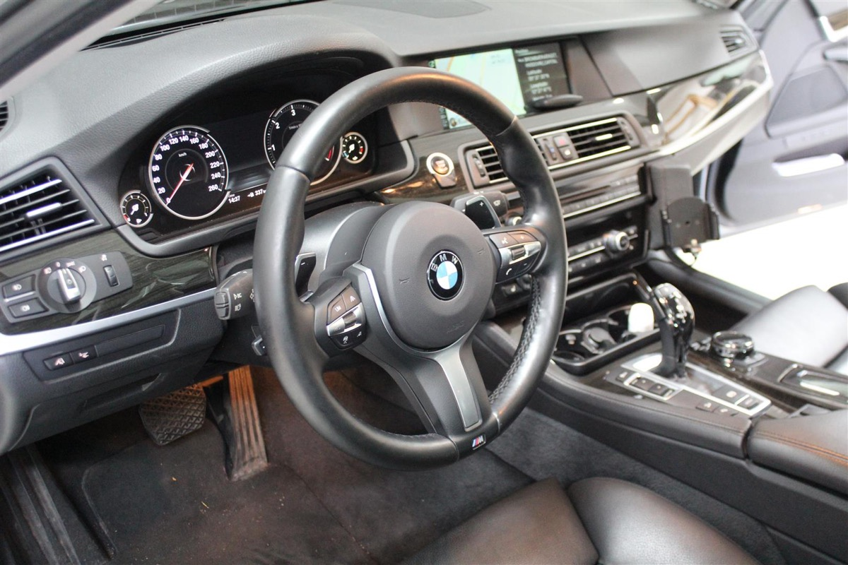 BMW_6WBA_kombiinstrument.9Large.JPG