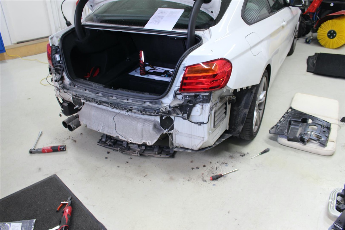 BMW_F32_ELEKTRISK_ANHNGERTRK.13.JPG
