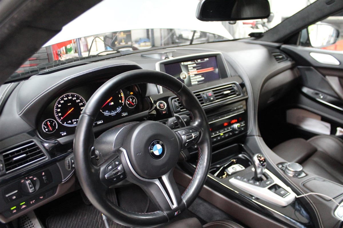 BMW_M_Software_opdatering.4Large.JPG